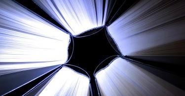 מסר תקשור כוחות של חושך ואור