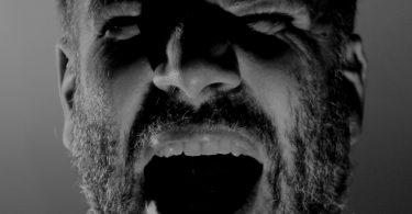 שן קדמית כואבת בחלום